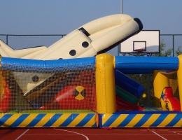 Dmuchana rakieta - atrakcja na pikniki kosmiczne